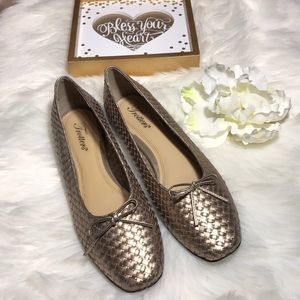 Trotters gold weave flat shoes